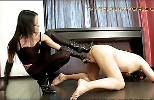 Elegant feminist sadist tied the brush brother and beats his sexual organ. www.lifecamgirls.com